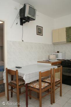 Orebić, Dining room in the apartment.