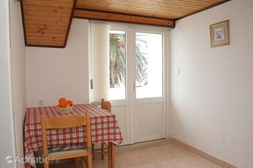 Orebić, Dining room in the apartment.