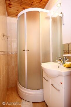 Bathroom 2   - A-4532-b