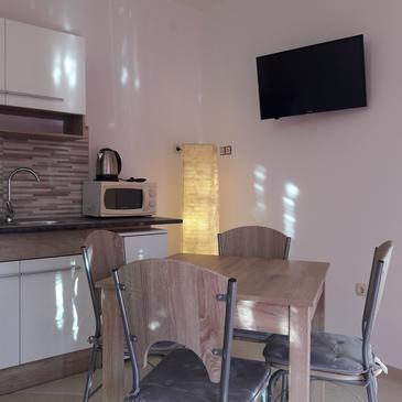 Kučište - Perna, Jídelna v ubytování typu apartment, s klimatizací a WiFi.