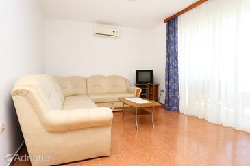 Kučište - Perna, Гостиная в размещении типа apartment, доступный кондиционер и WiFi.