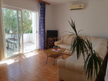 Kučište - Perna, Pokój dzienny w zakwaterowaniu typu apartment, dostupna klima i WIFI.