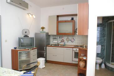 Trpanj, Kitchen in the studio-apartment, (pet friendly).