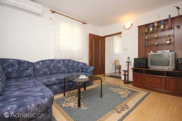 Orebić, Living room in the apartment, air condition available and WiFi.