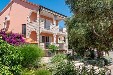 Orebić, Pelješac, Alloggio 4552 - Appartamenti affitto con la spiaggia ghiaiosa.