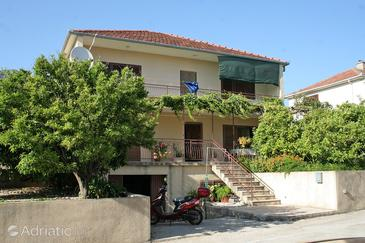 Orebić, Pelješac, Property 4555 - Apartments near sea with pebble beach.