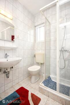 Bathroom 2   - A-4562-a