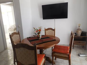 Orebić, Dining room in the apartment, air condition available, (pet friendly) and WiFi.
