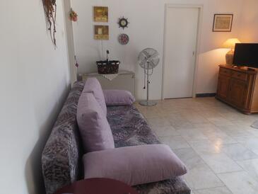 Orebić, Obývací pokoj v ubytování typu apartment, domácí mazlíčci povoleni a WiFi.