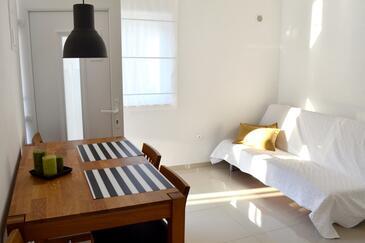 Orebić, Jídelna v ubytování typu studio-apartment, s klimatizací a WiFi.