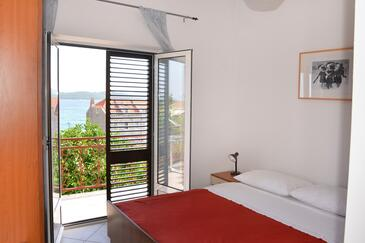 Orebić, Dormitor în unitate de cazare tip room, aer condiționat disponibil şi WiFi.