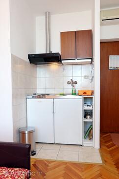 Trstenik, Kuchyně v ubytování typu studio-apartment, domácí mazlíčci povoleni a WiFi.