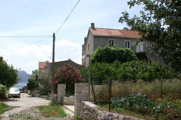 Trstenik, Pelješac, Property 4575 - Apartments near sea with pebble beach.