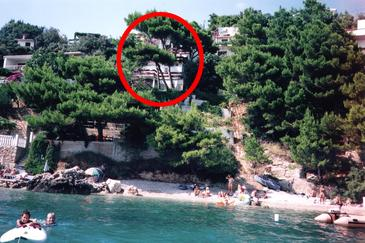 Stanići, Omiš, Property 4585 - Apartments near sea with pebble beach.