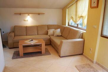 Jelsa, Obývacia izba v ubytovacej jednotke apartment, domáci miláčikovia povolení a WiFi.