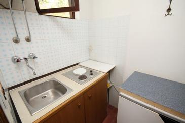Jelsa, Kitchen in the studio-apartment, dopusteni kucni ljubimci i WIFI.