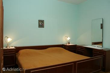 Vrboska, Bedroom in the room, (pet friendly) and WiFi.