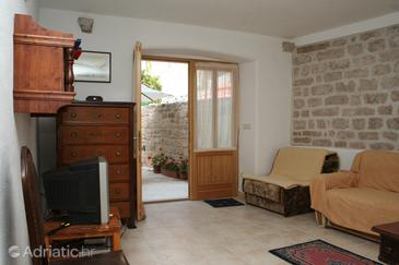 Vrboska, Living room in the apartment, air condition available, (pet friendly) and WiFi.