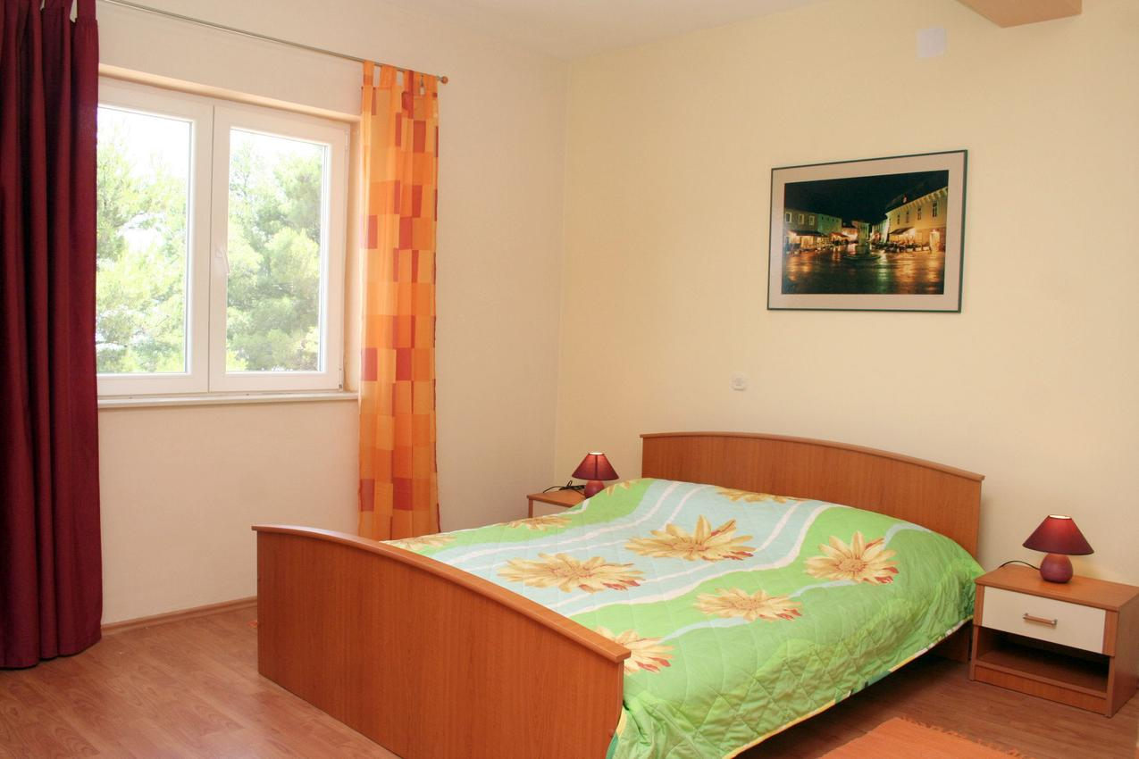 Ferienwohnung im Ort Jelsa (Hvar), Kapazität 2+2 (1013654), Jelsa (HR), Insel Hvar, Dalmatien, Kroatien, Bild 5