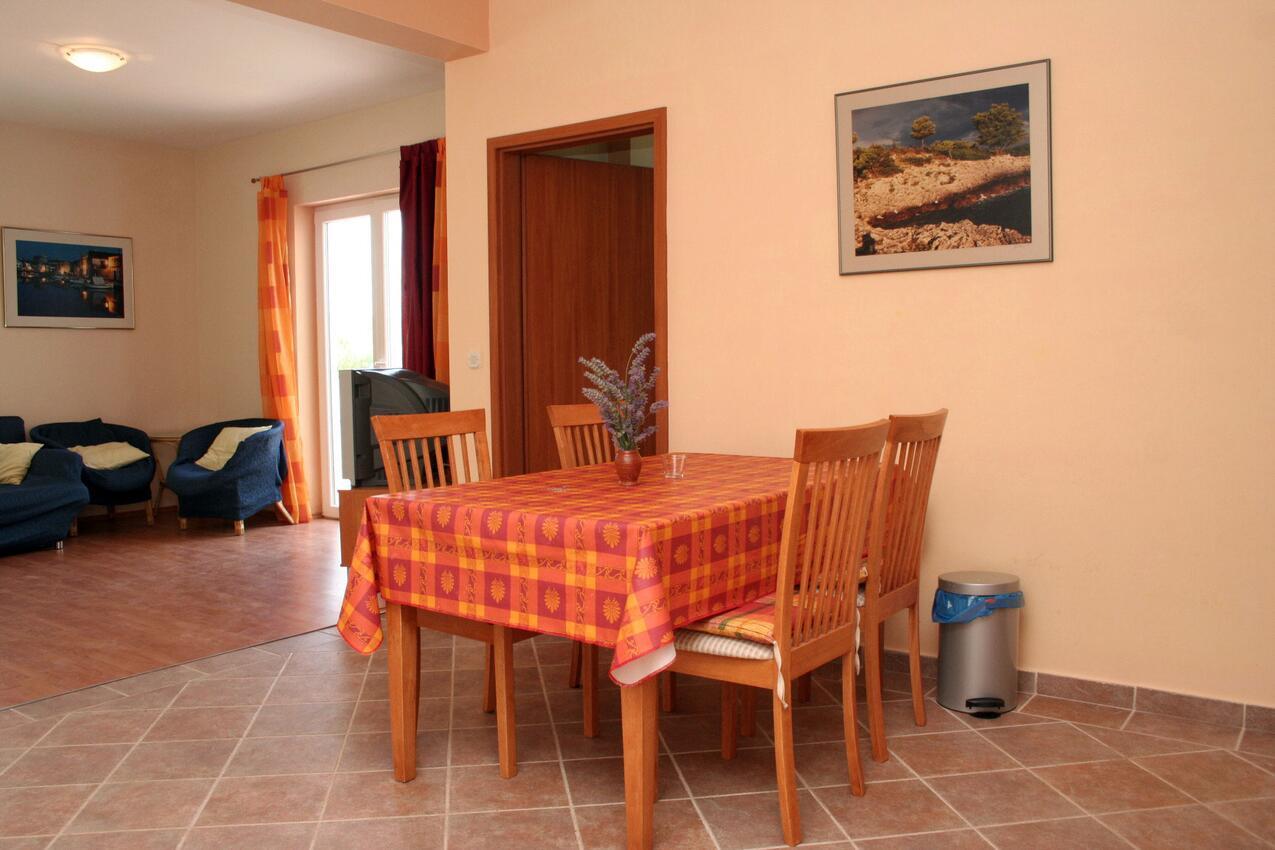 Ferienwohnung im Ort Jelsa (Hvar), Kapazität 2+2 (1013654), Jelsa (HR), Insel Hvar, Dalmatien, Kroatien, Bild 3