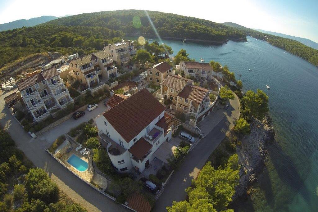 Ferienwohnung im Ort Jelsa (Hvar), Kapazität 2+2 (1013654), Jelsa (HR), Insel Hvar, Dalmatien, Kroatien, Bild 1