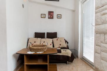 Grebaštica, Living room in the apartment, (pet friendly) and WiFi.