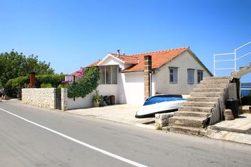 Hvar, Hvar, Property 4613 - Apartments and Rooms with pebble beach.