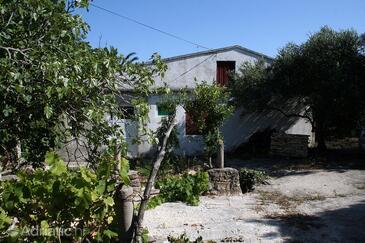 Sućuraj, Hvar, Property 4616 - Vacation Rentals near sea with rocky beach.