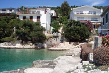 Jagodna (Brusje), Hvar, Property 4619 - Apartments near sea with pebble beach.