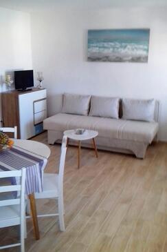 Basina, Living room in the apartment, dostupna klima i WIFI.