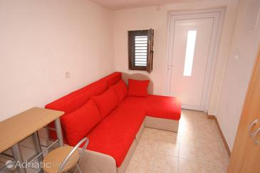 Skozanje, Sala de estar in the apartment, (pet friendly).