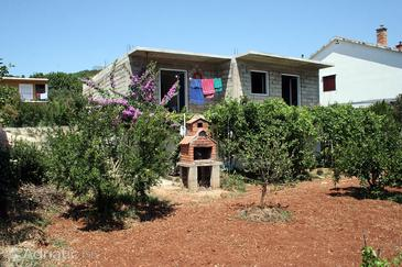 Stari Grad, Hvar, Property 4627 - Apartments with pebble beach.