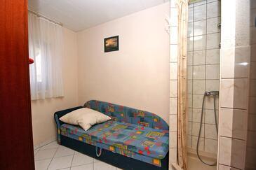 Duće, Sypialnia w zakwaterowaniu typu room, Dostępna klimatyzacja i WiFi.