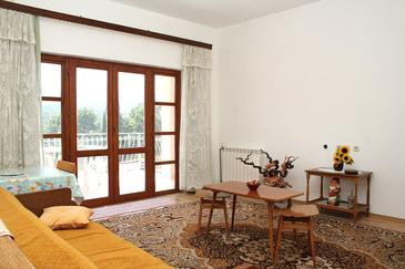 Vrboska, Living room in the apartment, (pet friendly) and WiFi.