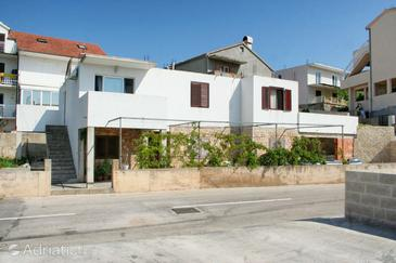 Hvar, Hvar, Property 4635 - Apartments with pebble beach.