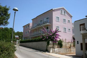 Vrboska, Hvar, Property 4639 - Apartments and Rooms near sea with pebble beach.