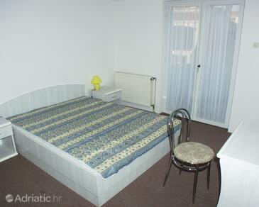 Bedroom 3   - A-464-a
