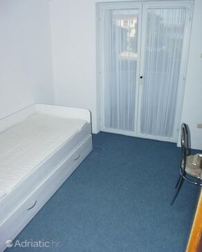 Bedroom 4   - A-464-a