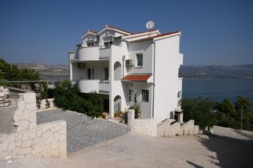 Arbanija, Čiovo, Property 4646 - Apartments in Croatia.