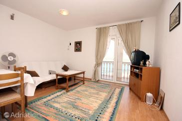 Mastrinka, Sala de estar in the apartment, air condition available, (pet friendly) y WiFi.