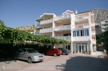 Duće, Omiš, Property 4650 - Apartments with sandy beach.