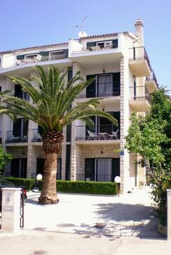 Podstrana, Split, Property 4651 - Apartments near sea with pebble beach.