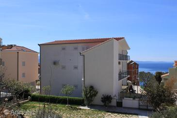 Nemira, Omiš, Property 4652 - Apartments with pebble beach.