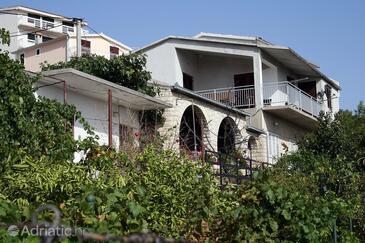 Stanići, Omiš, Alloggio 4653 - Appartamenti affitto vicino al mare con la spiaggia ghiaiosa.