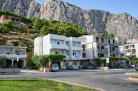 Apartments with a parking space Omiš - 4654