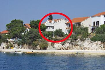 Brodarica, Šibenik, Property 466 - Apartments near sea with pebble beach.