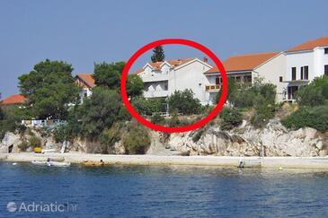 Brodarica, Šibenik, Объект 466 - Апартаменты вблизи моря с галечным пляжем.