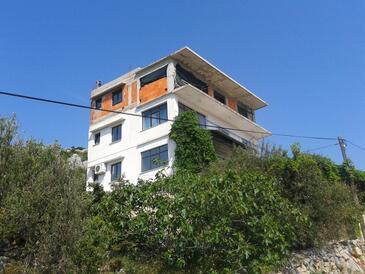 Bilo, Primošten, Hébergement 4662 - Appartement avec une plage de galets.