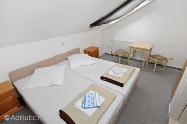 Splitska, Bedroom in the room, dopusteni kucni ljubimci.