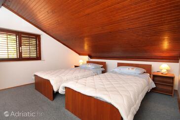 Bedroom 2   - A-4673-a
